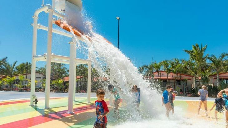 new mega waterpark at kid friendly holiday resort ellaslist. Black Bedroom Furniture Sets. Home Design Ideas