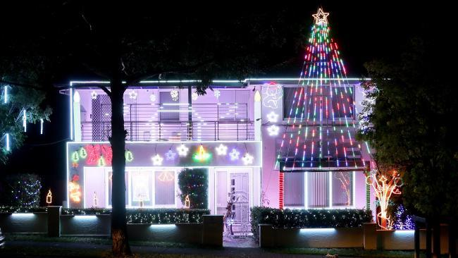 Asquith: Synchronised lights to music with 5 metre mega trees at 28  Lockwood Street. - Where To See Christmas Lights 2018 - Sydney Suburb & Street Ellaslist