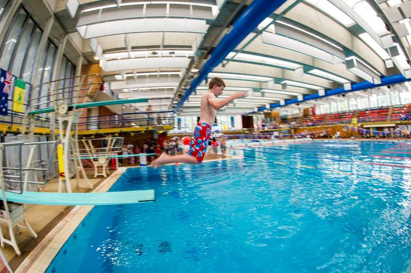 Sydney s best indoor swimming pools for kids ellaslist for Swimming pools with slides north west
