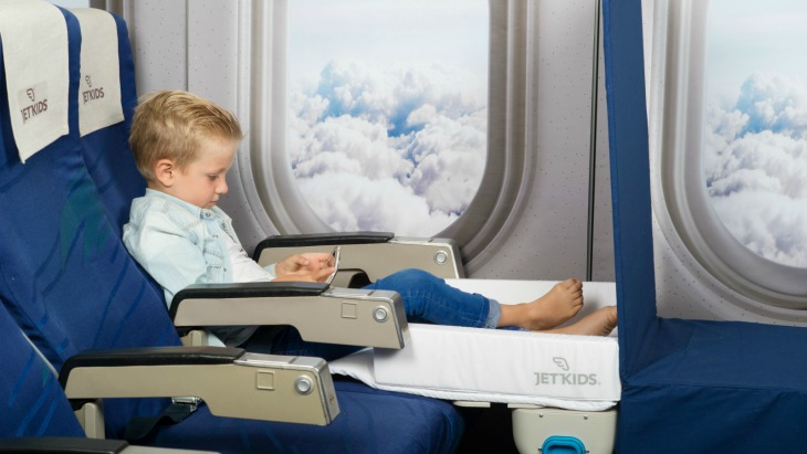the suitcase kids can sleep in on planes