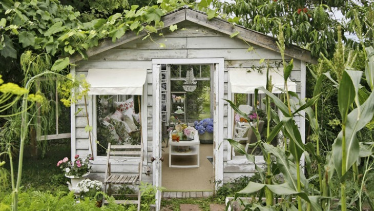 Female Man Cave Shed : Women build sheds as their take on man caves