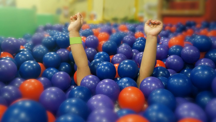 Dirty ball pit