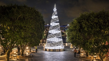 Kingstwharf xmastree2014  lowres 0146