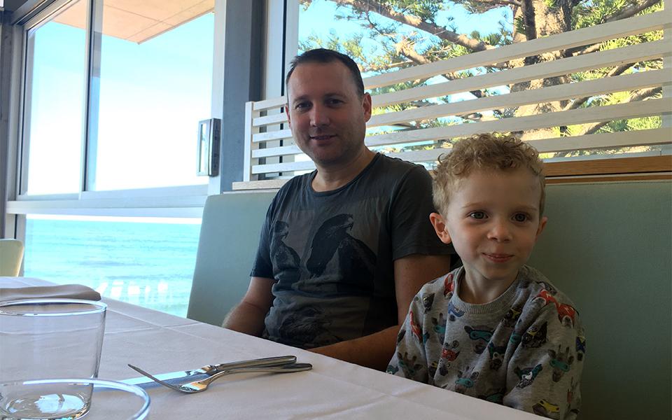 The Avalon On The Beach - Lunch 960x600