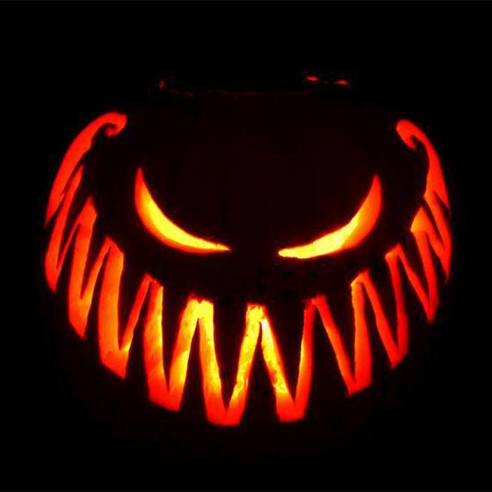big-scary-smile-pumpkin 700x700