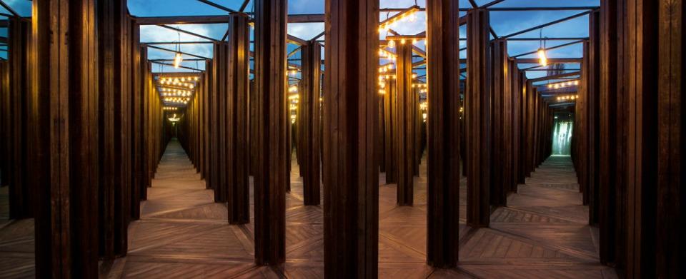 Sydney_festival_house-of-mirrors