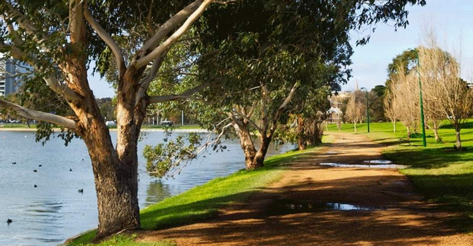 Albert Park Lake Melbourne